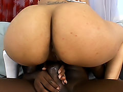 Light skinned black babe gets ass-fucked